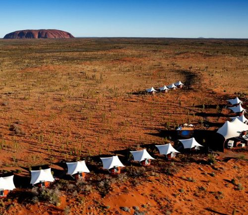 TRAVEL – Ayers Rock Tents
